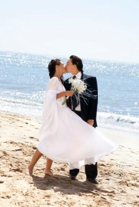 beach_kiss