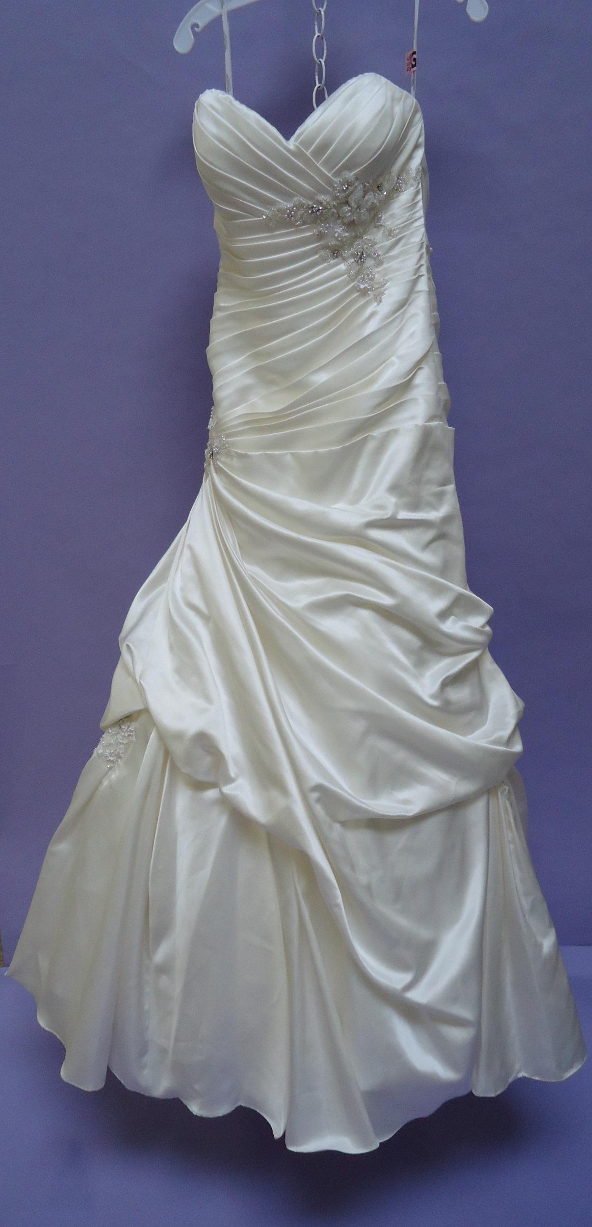 Amy\'s Wedding Dress Preservation | Heritage Garment