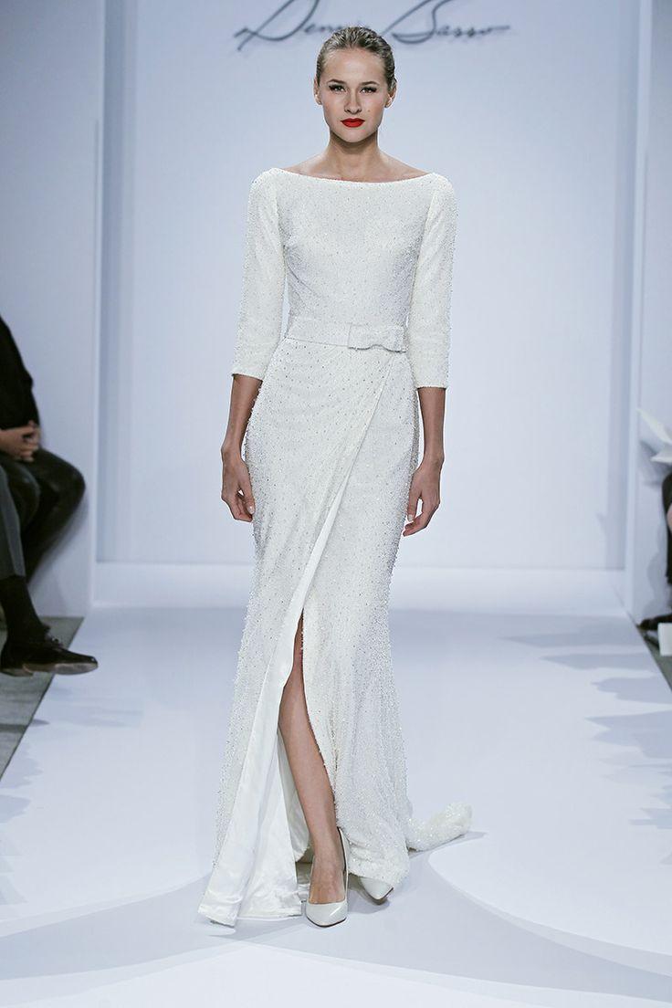 Keep your wedding simple with minimalist wedding dress