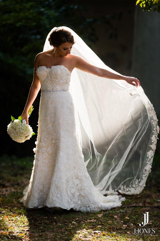 Kristen described her dream dress weeks before finding her gown.