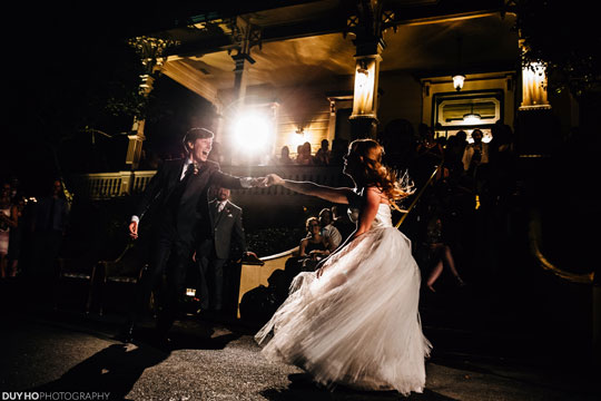 Jenna Grinberg's beautiful tulle wedding dress dancing