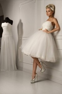 Reasons to wear a short wedding dress 5 reasons to wear a short wedding dress junglespirit Choice Image