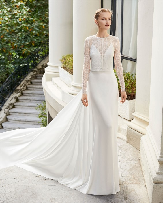 Another Rosa Clara stunning wedding dress with long sleeves.  Warm winter wedding dresses will help make a winter wedding wonderful.